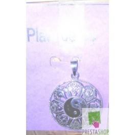 Amuleto yin-yan en plata